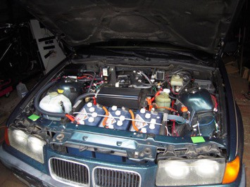 US Battery Leader In Deep Cycle Batteries Doctor Coverts His - Bmw 3 series battery
